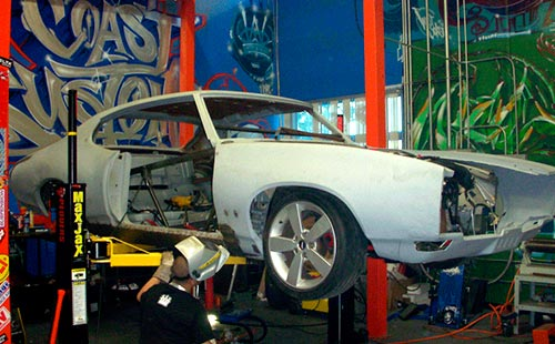 http://snaptrac.com/sites/default/files/revslider/image/West-Coast-Customs-4.jpg